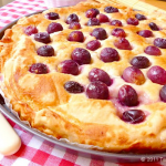 "Sweet Bread ""Pogača"" with Grapes/ Pogača s grožđem"