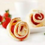 Strawberry Puff Pastry Roses | Ružice s jagodama