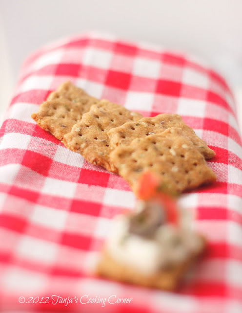olive_seed_crackers 4_2012