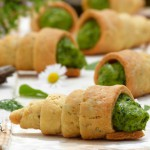 Pastry cones with spinach and tahini mousse by Cooking Tiki